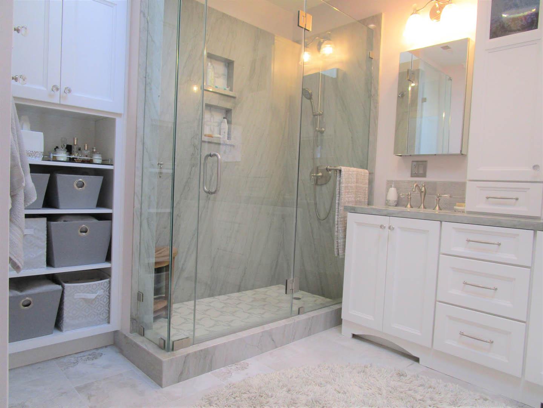 Shower & Vanity 1 (Light adjusted)